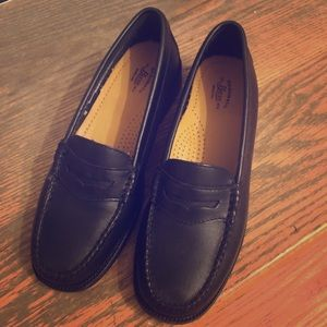 Bass Weejun Penny Loafer size 6.5 - Brand New